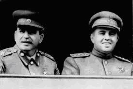 """""""Con Stalin"""" - texto de las Memorias de Enver Hoxha - publicado en 1979 - se descarga en formatos pdf y doc desde Producciones Digitales Soyuz - más links de descarga en los mensajes Con-stalin1"""